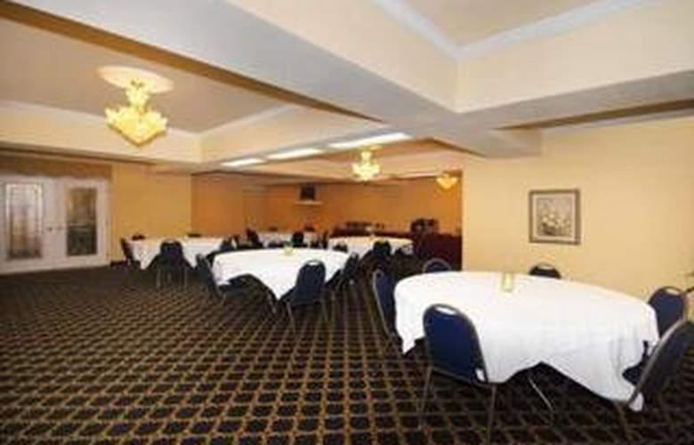 Quality Inn & Suites - Restaurant - 6