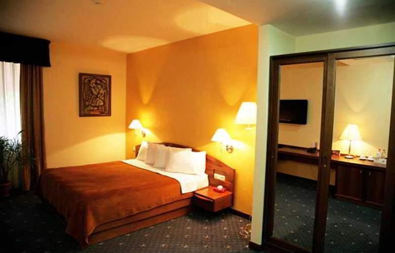 Ararat Hotel - Room - 5