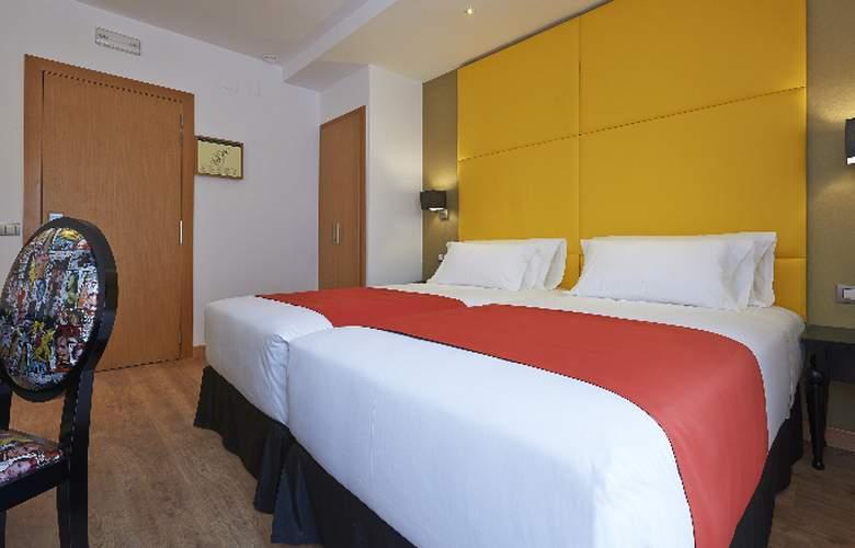 NH Barcelona Barri Gotic - Room - 6
