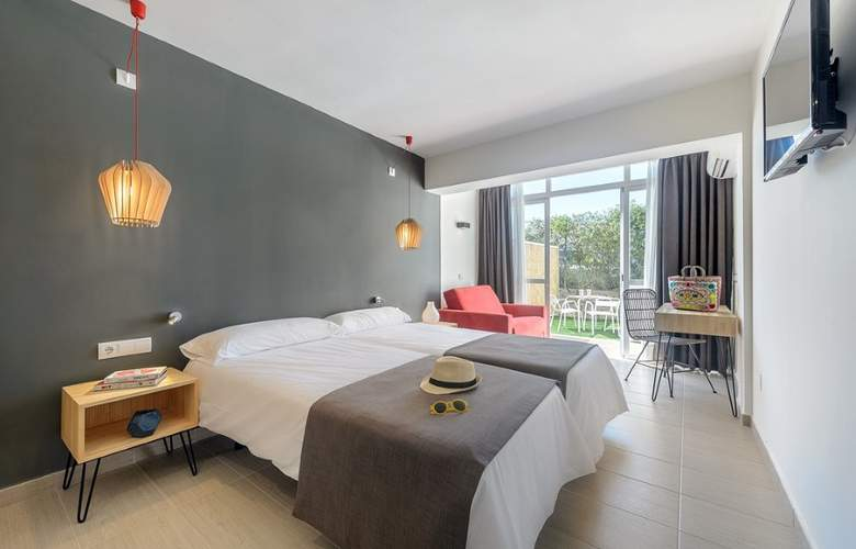 Clubhotel Playasol Cala Tarida - Room - 11