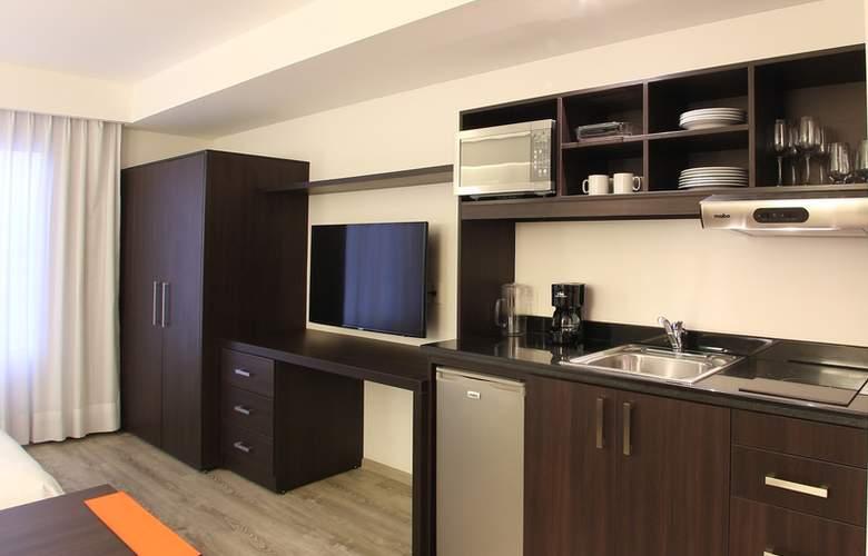 Fiesta Inn Queretaro - Room - 9