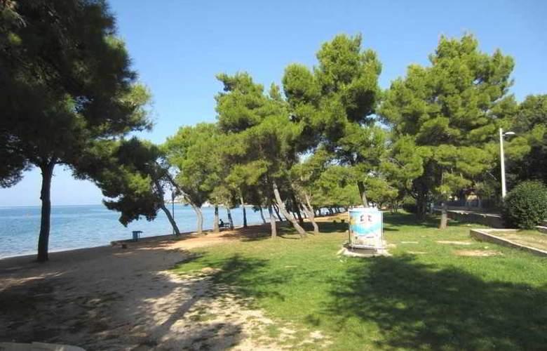 Baresic Apartmani - Beach - 2