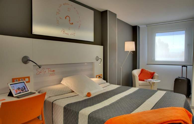Bed4u Pamplona - Room - 3