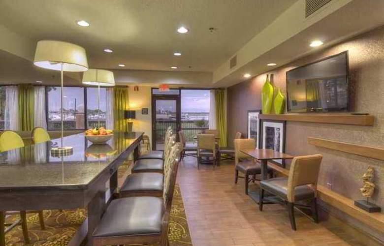 Hampton Inn Georgetown-Marina - Hotel - 5