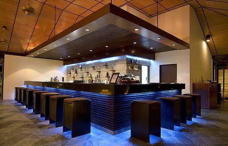 Lily Beach Resort & Spa - Bar - 12