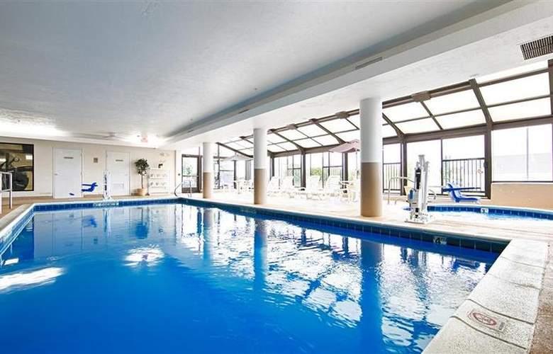 Best Western Joliet Inn & Suites - Pool - 142