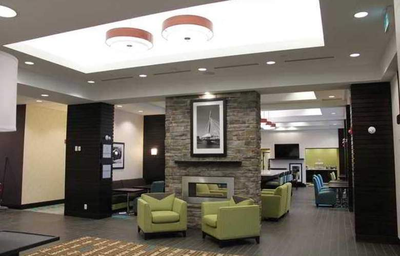 Hampton Inn Winnipeg Airport - General - 11