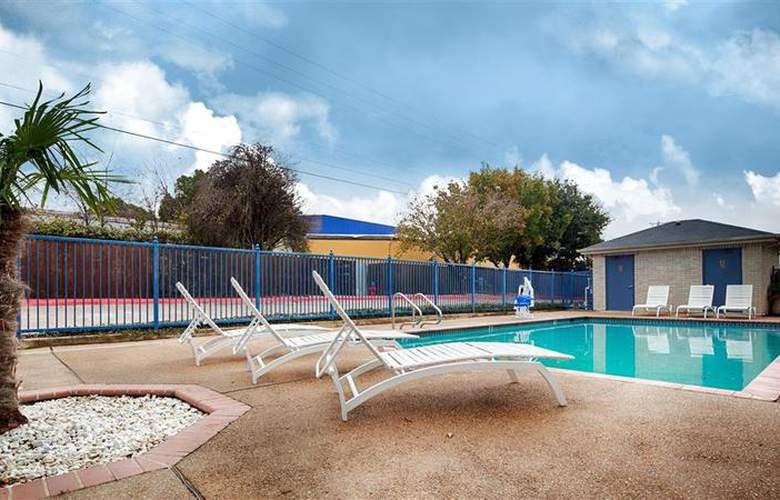 Best Western Executive Inn - Pool - 44