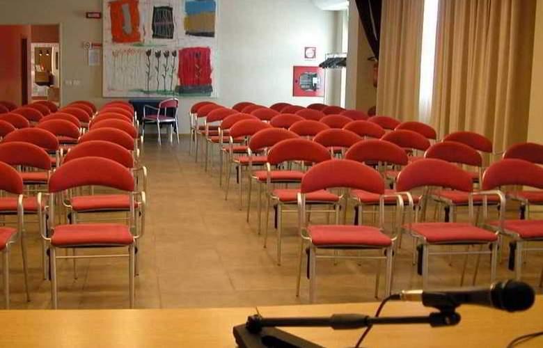 Tati - Conference - 3