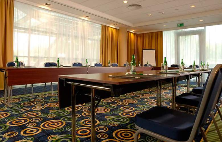 Courtyard by Marriott Prague City - Conference - 13
