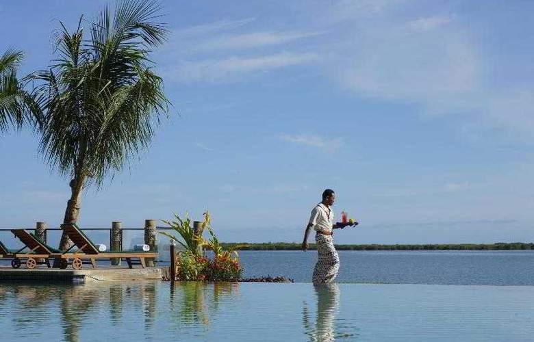 Sheraton Denarau Villas - Pool - 33