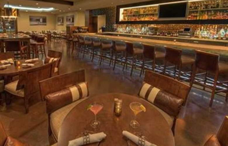 Cypress Hotel - Bar - 7
