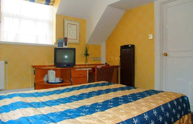 Ramada Crawley Gatwick - Room - 13
