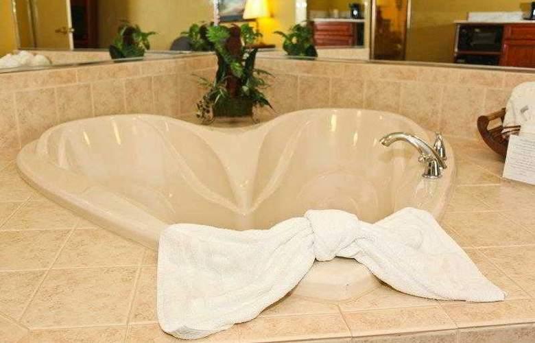 Best Western Executive Inn & Suites - Hotel - 66