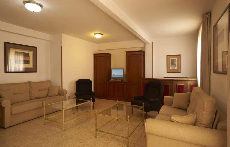 Apartamentos Maja - Room - 2