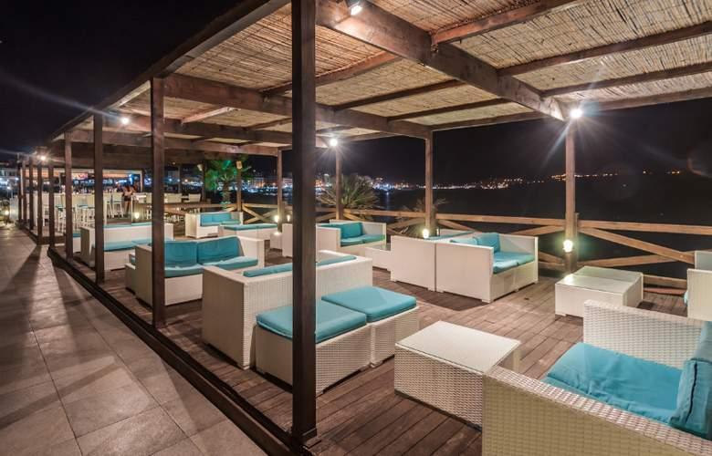 Dolmen Hotel Malta - Terrace - 7