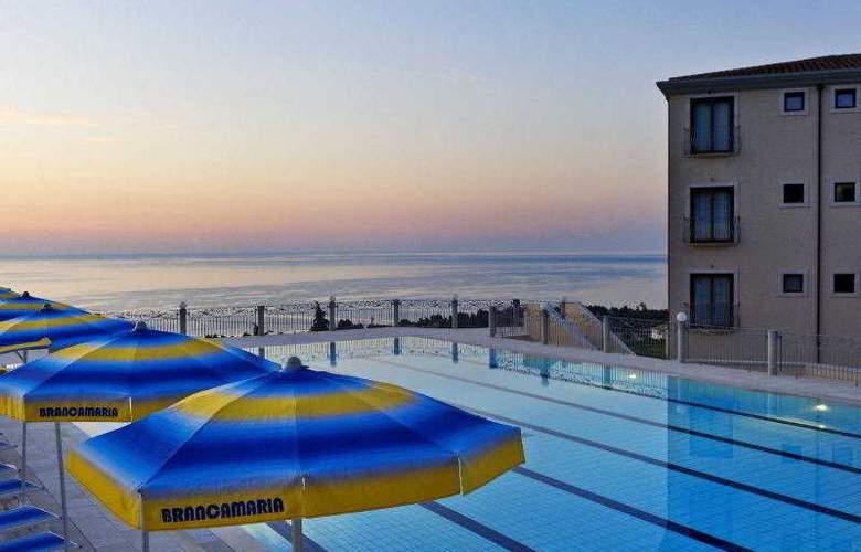 Brancamaria - Pool - 1