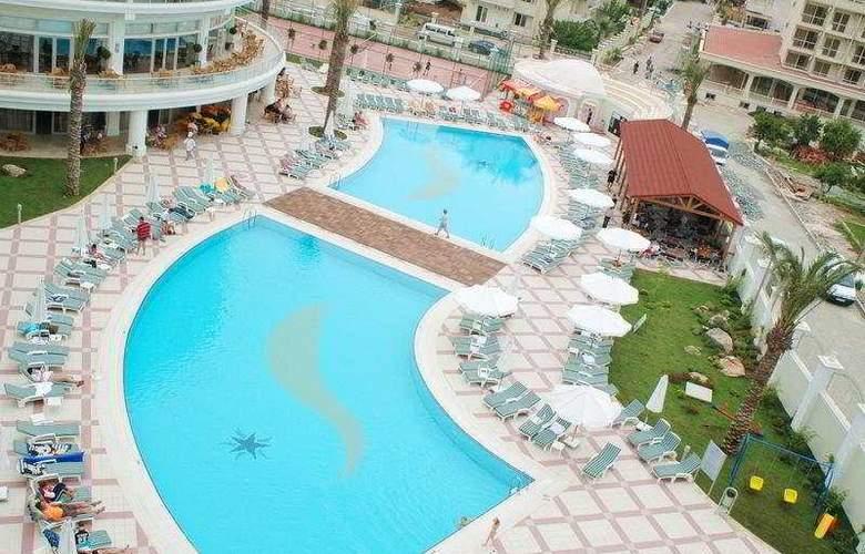 Deluxe Hotel Pinetapark - Pool - 7