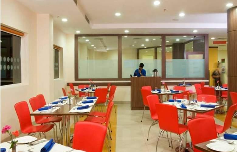 Ginger Indore - Restaurant - 4