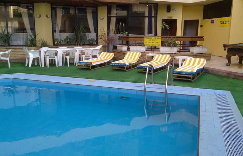 Gaddis Luxor Hotel, Suites and Apartments - Pool - 3