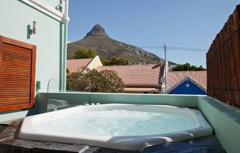 Sweet Ocean View Guest House - Pool - 4