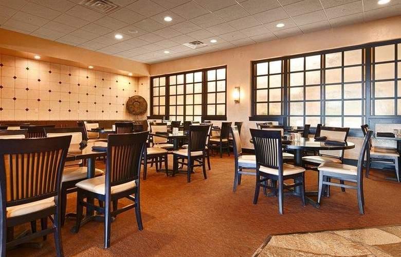 Best Western Premier Nicollet Inn - Restaurant - 58