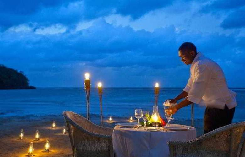 Couples Sans Souci All Inclusive - Restaurant - 24