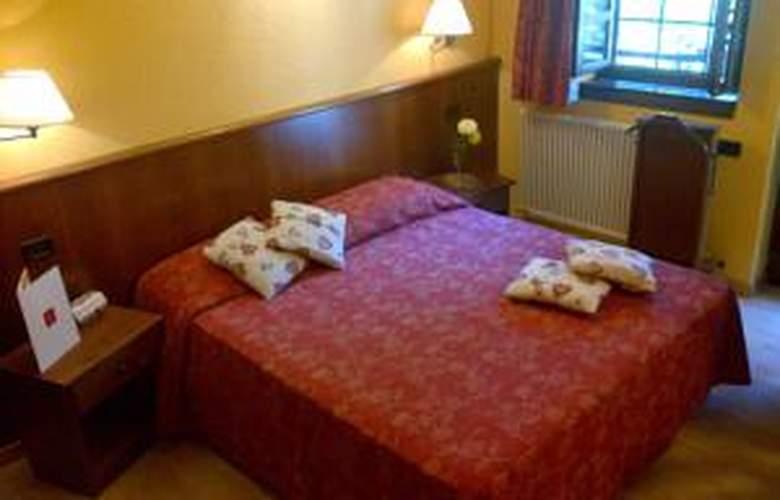 Hotel Mont Blanc - Room - 16