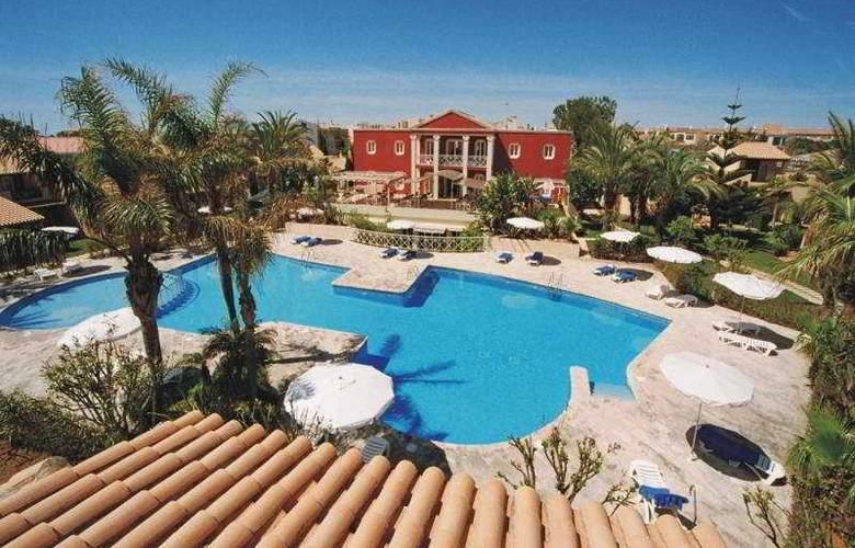 Pueblo Menorquin - Pool - 10
