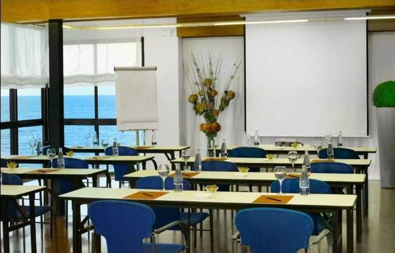 Premier Gran Hotel Reymar & Spa - Conference - 17