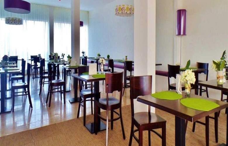 Hotel Pontao - Restaurant - 11