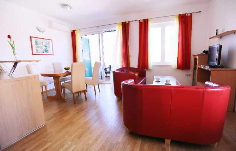 Pervanovo Apartments - Room - 33