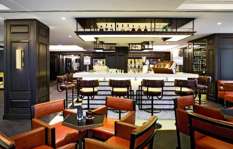 Hilton Vienna Plaza - Bar - 10