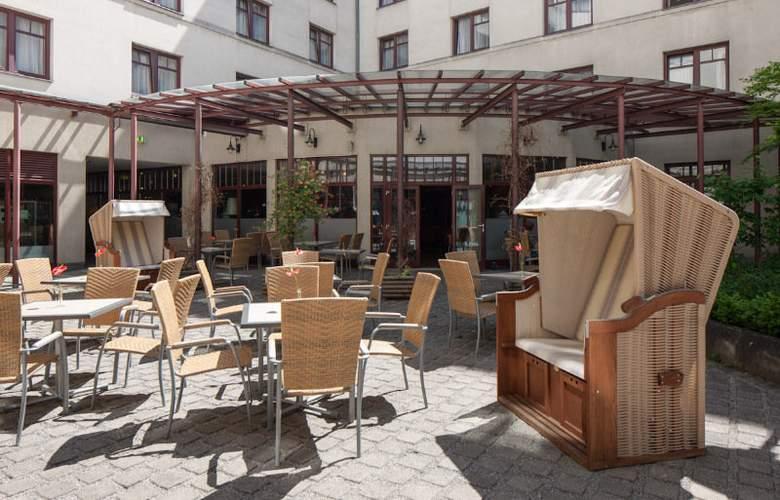 Austria Trend Hotel Favorita - Terrace - 3