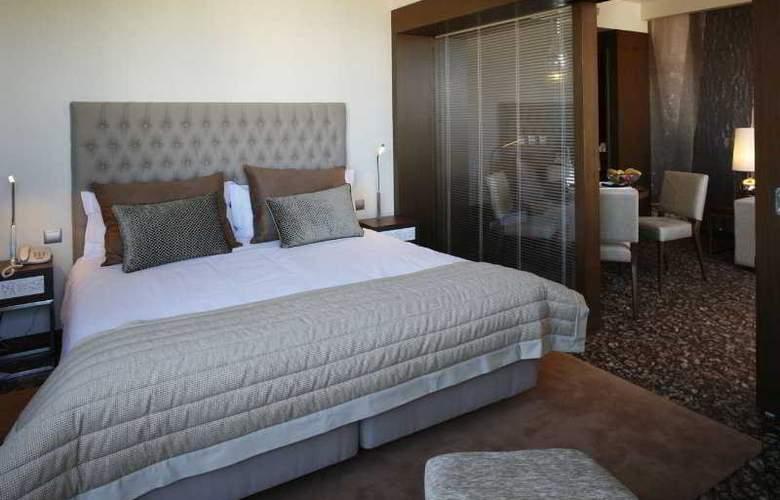 Neya Lisboa - Room - 9