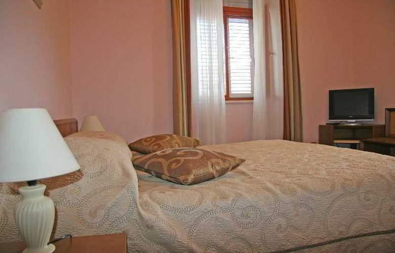 Zagreb - Room - 5
