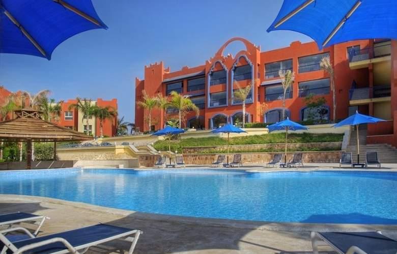 Aurora Bay Resort - Pool - 3
