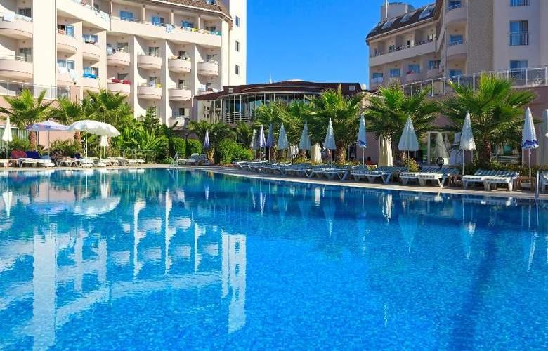 Lilyum Hotel - Pool - 8