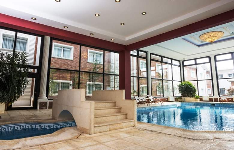Unique Luxury Patagonia - Pool - 4