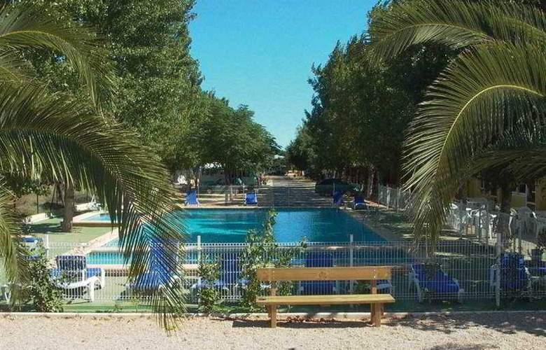 Spa Natura Resort - Pool - 9