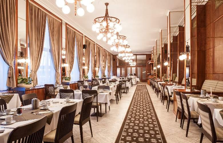 Devin - Restaurant - 10