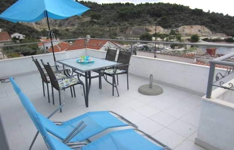 Apartmani Kelam - Terrace - 13