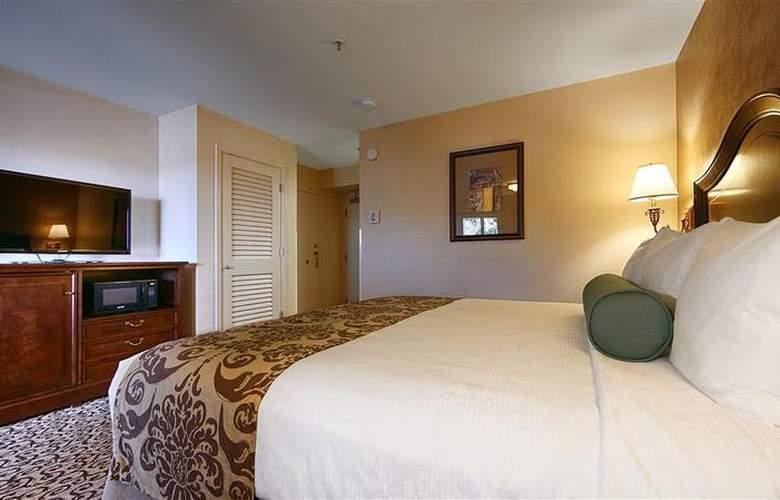 Best Western Plus Inn At The Vines - Hotel - 4