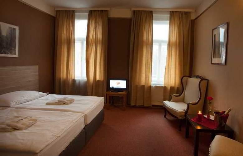 Otakar - Room - 3