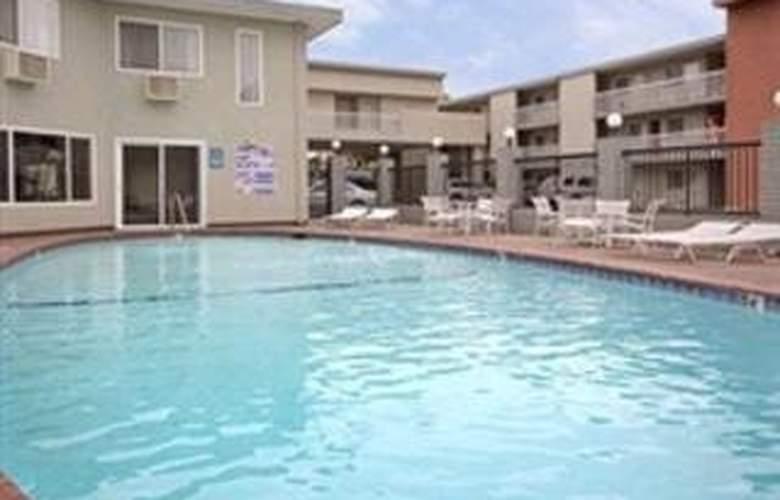 Ramada San Jose Convention Center - Pool - 2