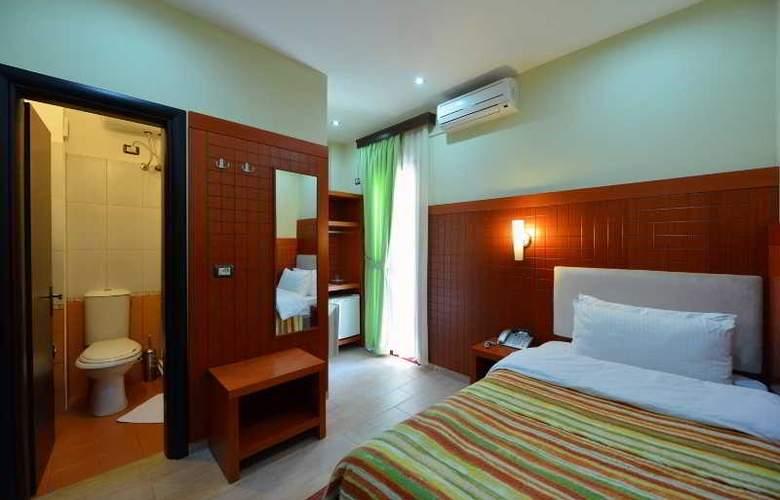City Tirana - Room - 8
