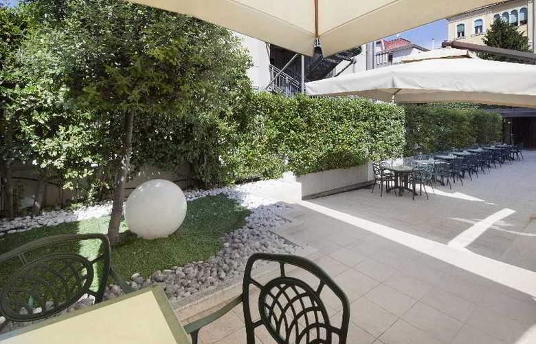 NH Collection Roma Centro - Terrace - 45