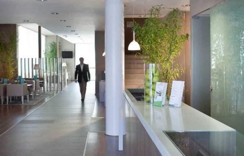Campanile Malaga Aeropuerto - Hotel - 13