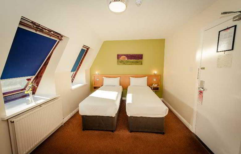 Dublin Central Inn - Room - 8