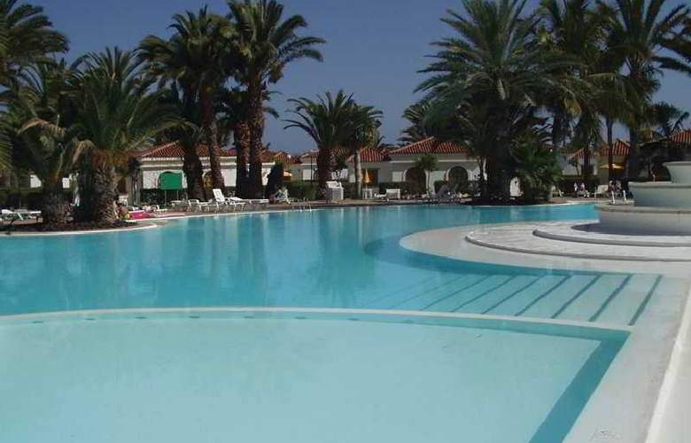 Suite Hotel Jardin Dorado - Pool - 3